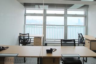 Premium 4 person office